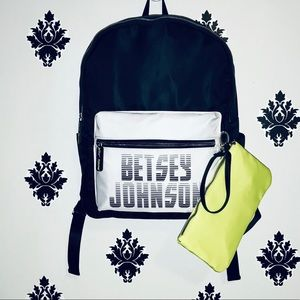 NWT ⚡️❤️ Betsy Johnson BLK & white Sports backpack